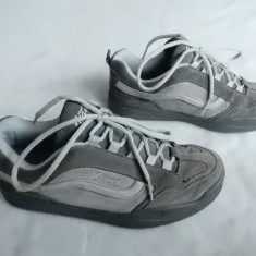 Adidasi Vans piele naturala, model Wesley; marime 40.5 (26.5 cm talpic interior)