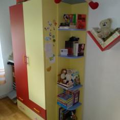 Dormitor copii pat,dulap,birou,corp suspendat stare foarte buna