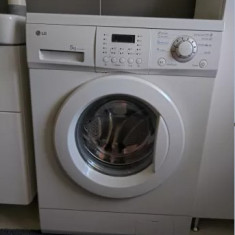 Vand mașina de spălat rufe LG Slim