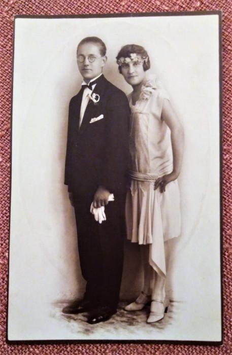 Cuplu tanar. Fotografie veche tip carte postala - Foto-Luvru, Bucuresti