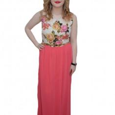 Rochie de gala, nuanta de corai, imprimeu floral clasic