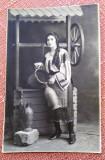 Tanara in costum popular. Fotografie datata 1926 - Foto Elegant, Bucuresti