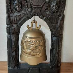 Clopot de bronz.
