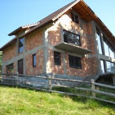 Bran POARTA Casa la rosu 65 000 €