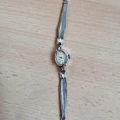 Ceas Hamilton damă, Mecanic-Automatic