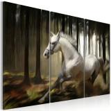 Tablou canvas 3 piese - Un cal cald In mijlocul copacilor - 120x80 cm, Artgeist