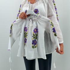 Set Traditional IE Mama IE fiica Bucura