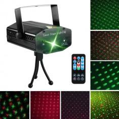 Cumpara ieftin Proiector laser holografic, stele in joc de lumini, cu telecomanda si senzor sunet