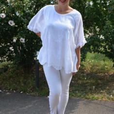 Bluza de vara lejera, model brodat pe ea,paiete la umeri, nuanta alb, 50, 52, 54, 56, 58