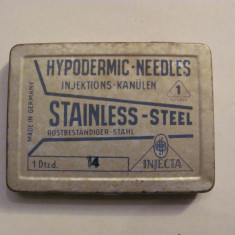 GE - Cutie veche pentru ace hipodermice de seringa / contine 9 ace / Germania