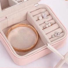 Cutie Bijuterii din piele ,Roz