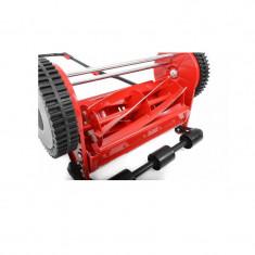 Masina manuala de tuns iarba