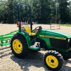 Tractor John Deere 4300 cu Accesorii