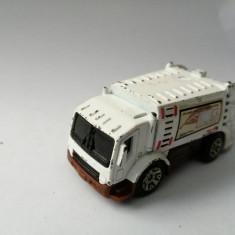 bnk jc Matchbox MB 678 Trash Truck