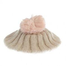 Caciula tricotata fin, cu mot roz