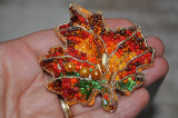 Cumpara ieftin brosa frunza de artar ruginie, brosa margele, brosa colorata, accesorii femei