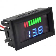 Voltmetru digital, leduri albastre si indicator, 12 V, 3 digit, 2 fire, carcasa