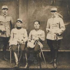 Ofiteri romani cu sabii fotografie veche interbelica