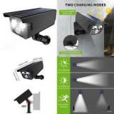 Camera de supraveghere falsa CCTV cu panou solar si LED-uri puternice