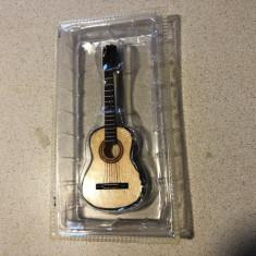 Chitara miniaturala,macheta,absolut noua
