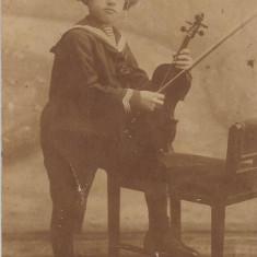 Fotografie copil vioara poza veche