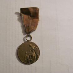 CY Medalie superba f. veche completa / probabil sport / bronz aurit / negravata