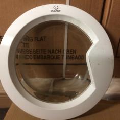 Usa, hublou masina de spalat Indesit