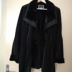 Vand haina de blana Armani  de dama, mărimea M