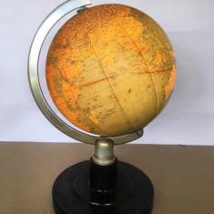 Glob pamantesc romanesc, din sticla,  iluminat, diametru 20 cm (33 cm cu stativ)