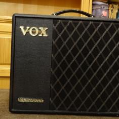 Vand Amplificator chitara Vox VT 40x Valvetronix si Vox VFS5 Footswitch