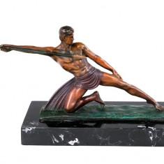 Aruncatorul cu sulita - statueta din bronz pe soclu din marmura BM15140