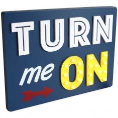 Panou decorativ LED mesaj Turn me ON, 35x3x26 cm, lemn