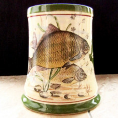 Cana/Halba veche cu Crapi.Ceramica pictata manual.
