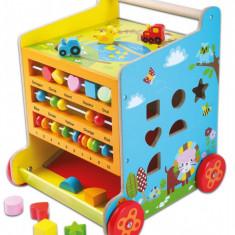 Antepremergator tip Cub Multifunctional din Lemn cu Tabla de Scris, Accesorii si Abac pentru Copii