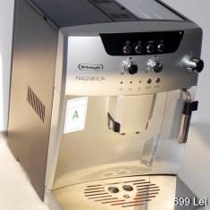 Espressor cafea automat DELONGHI Magnifica model ESAM04. 110.S 15bar