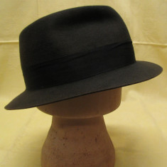 Pălărie bărbătească gri