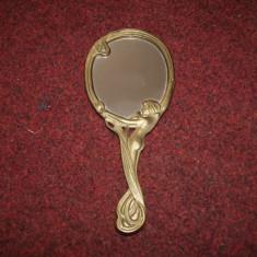 Oglindă din bronz