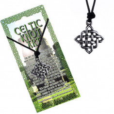 Colier din șnur cu pandantiv - nod celtic lucios, pătrat