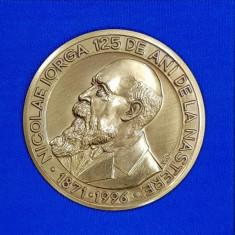 MEDALIE ' NICOLAE IORGA , 125 DE ANI DE LA NASTERE 1871 - 1996 ' , LUCRATA DE V.G. , MATERIAL - BRONZ , LANSATA 1996