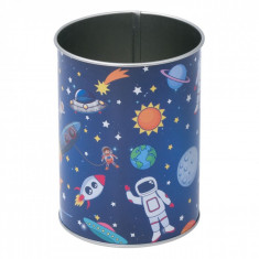 Suport metalic pentru pixuri si creioane, model spatiu, 8×10,5 cm, multicolor