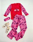 Pijama dama cu inimioare roz cu rosu extrem de pufoasa si calduroasa cu imprimeu Stay