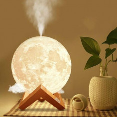 Lampa de veghe cu umidificator, Luna3D, 880 ml,13 cm lumina 3 culori +stand lemn
