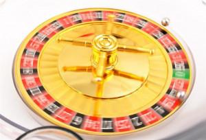 Joc ruleta cu pahare de shoturi 16 buc, diametru ruleta 29cm