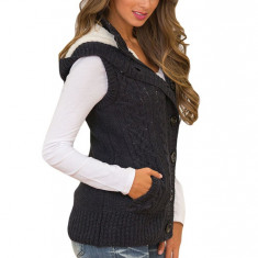 A735-1 Vesta tricotata cu buzunare si gluga
