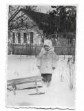 C1756 Copil cu sanie Lipcani Basarabia 1942