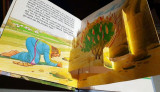 The Story of Moses - A candle pop-up book/Tridimensional book