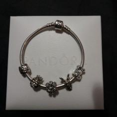 Bratara model PANDORA  + 5 talismane charm cadou, Femei