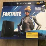 PlayStation 4Pro 1TB +Fortnite Neo Versa