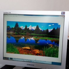 "Monitor Samsung Sync Master, 720T 17"", Pivot Pro"