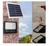 Cumpara ieftin Proiector solar cu panou si telecomanda, Lampa solara cu Leduri, Aexya